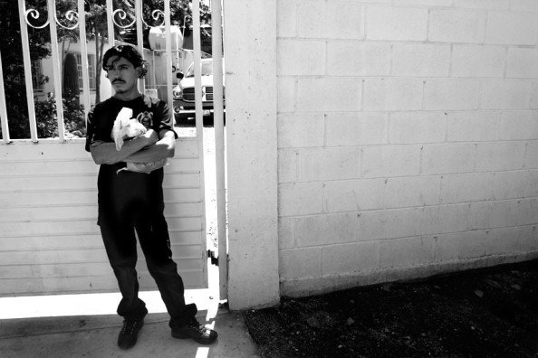 A deported migrant in Nogales, Sonora. Photo by Roxana Vasquez.